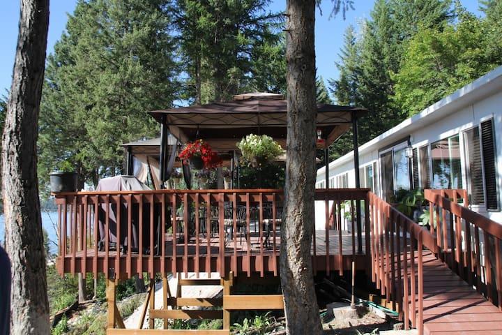Setting Sun Place - Overlooking Flathead Lake!