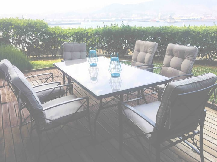 Flat with 160 m of garden, sea views Bilbao-Getxo