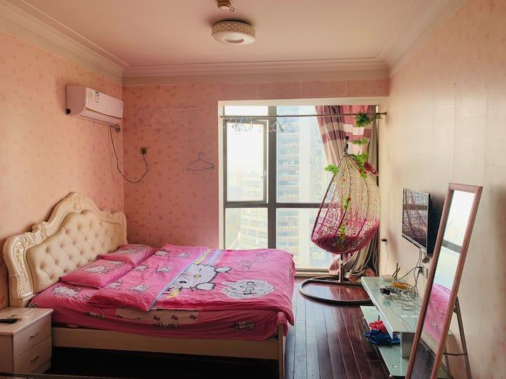 临地铁口 八一广场粉红回忆房