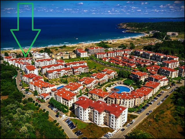 "Green Life Sozopol Resort ""First Line Apartment"""