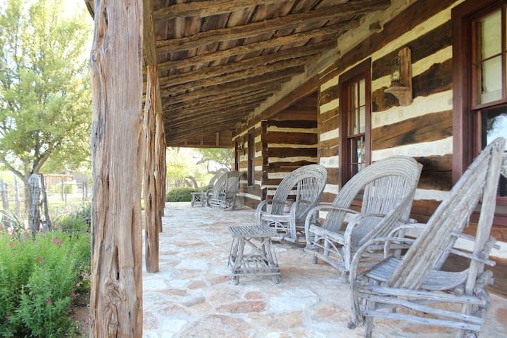 Dog Trot Cabins at Diamond Y Ranch
