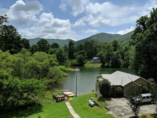 Mountain Lake House [Kayaks & Paddleboards]