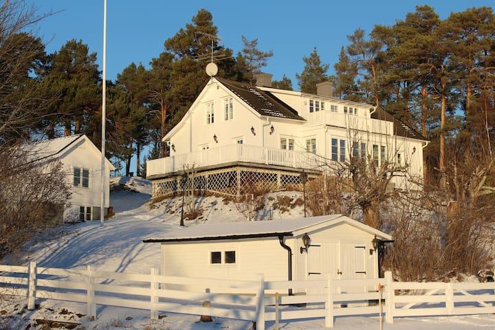 Large villa, beautiful sea view, Sthlm archipelago