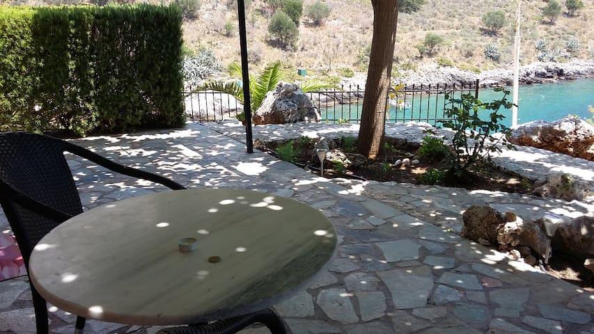 Stella Di Mare Seaview Studio Poolside 2