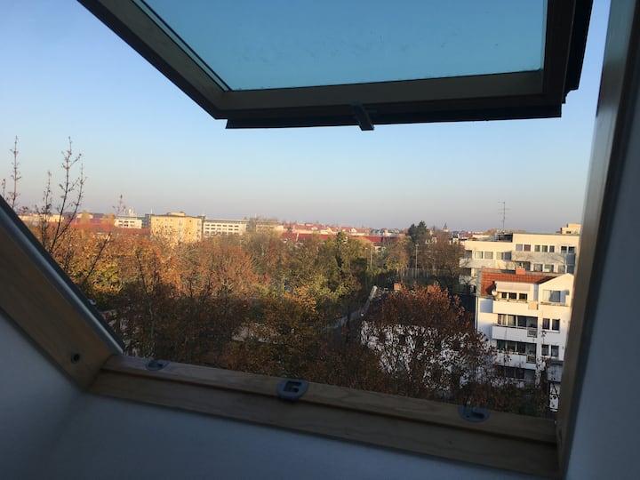 Gemütliche Dachgeschosswohnung: enjoy Berlin!
