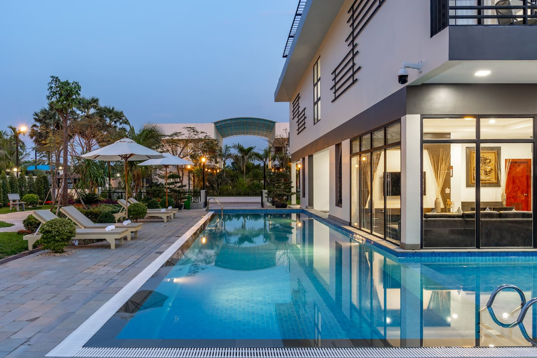 The Best Luxury Hotels in Siem Reap, Cambodia, Siem Reap Hotels, King Villa 1955, Siem Reap Holiday Villa