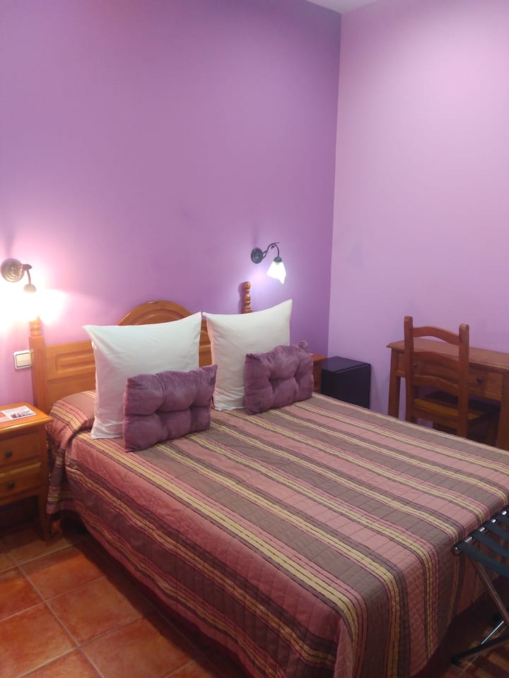 STANDARD ROOM SINGLE USE - LODGING AND BREAKFAST