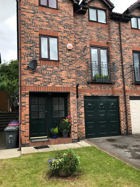 Trendy town house in Manchester suburbs