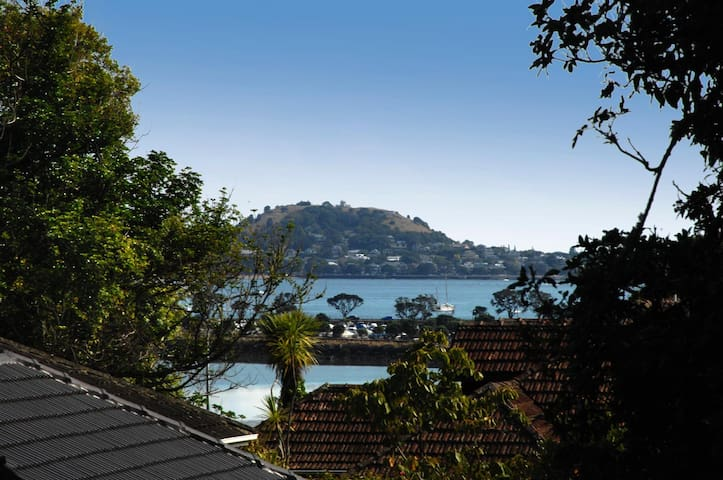 Sea views oasis in Remuera - Auckland - Talo