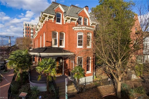 American Haven: Unique Property  Historic District