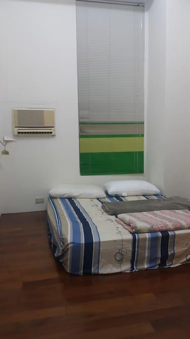 出租房間 (和式地板上雙人床墊)