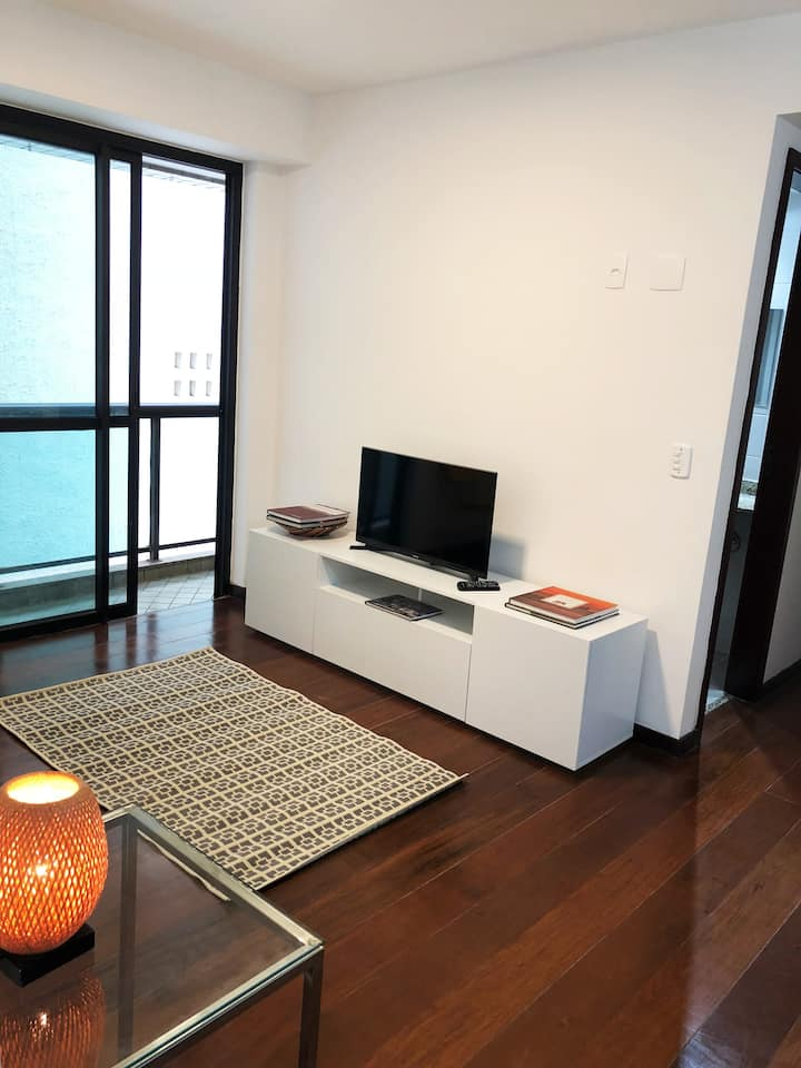 Copacabana -Beach Block - Renovated Apartament