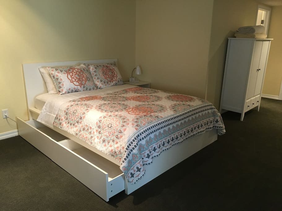2nd queen bed with storage drawers