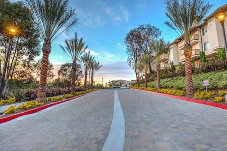 Luxury condo with a view - Laguna Niguel
