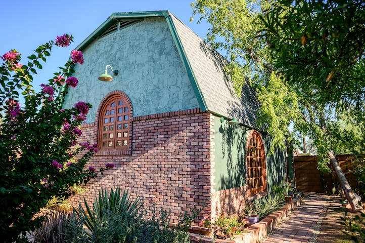 Private Loft Casita In Historic Downtown Phoenix