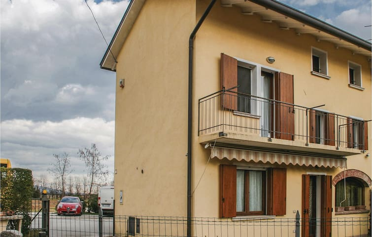 Semi-Detached with 3 bedrooms on 127 m² in Vidor (TV)
