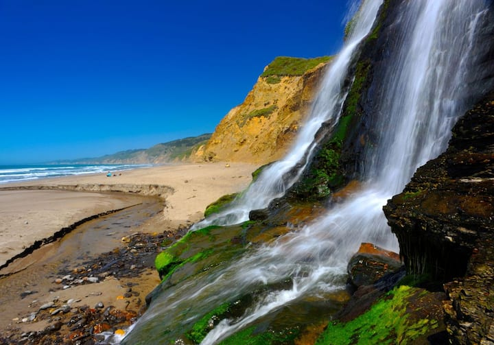 1 of only 2 Beach Waterfalls in CA!