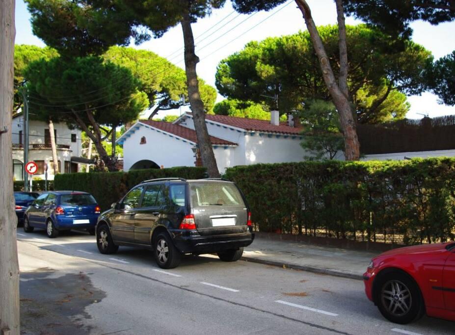 Fachada principal / Villa Divali