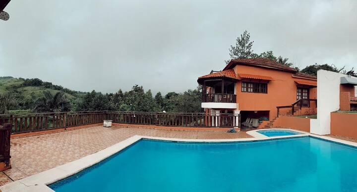 Villa de hermoso verdor