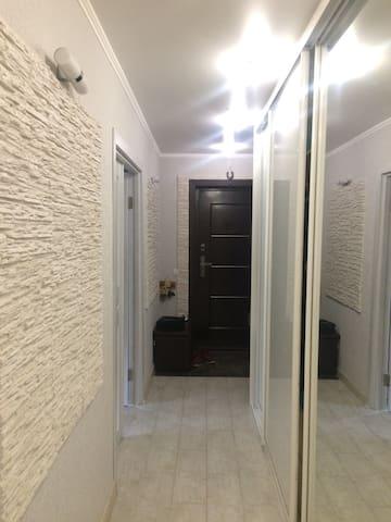 коридор,шкаф купе