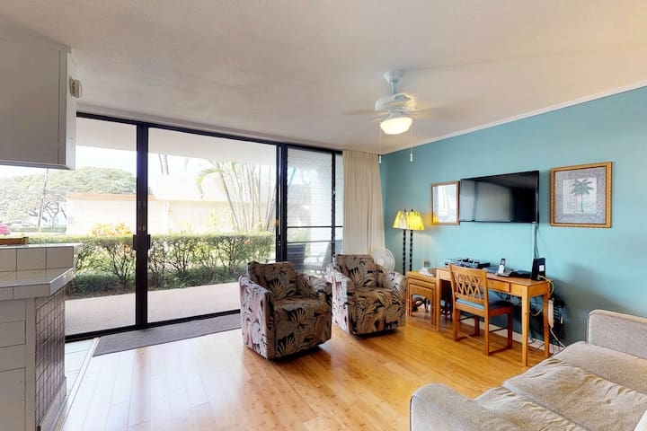 Classy beachside condo with shared pool - have it all without the crowds!