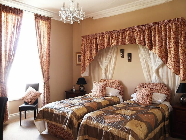 Meadowsweet Hotel - twin room #1