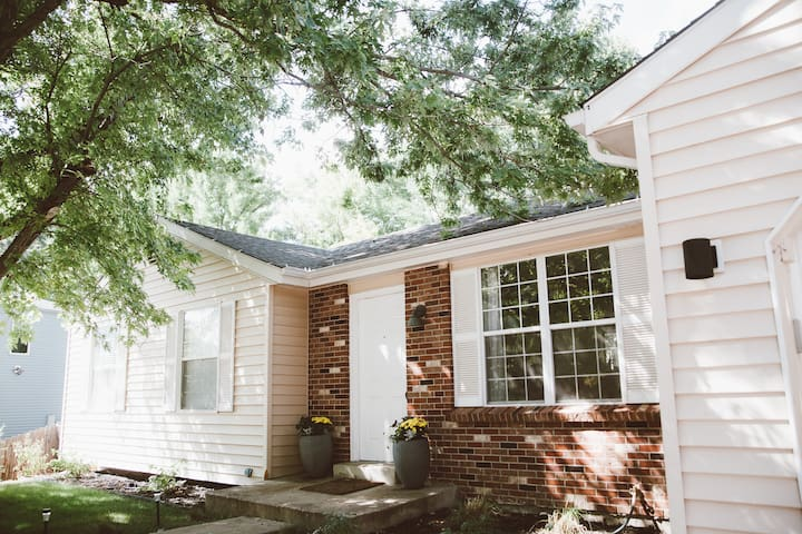 Cozy home 1 mile from downtown Louisville - Louisville - House