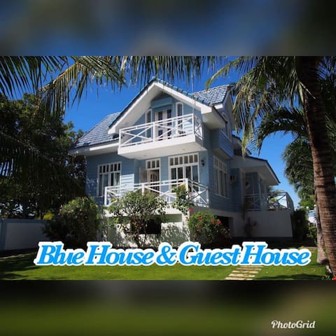 Blue House by the Cliff & Guest House