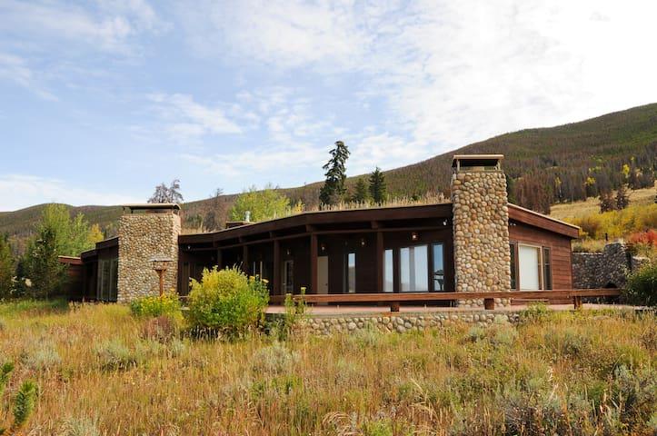 Huge Rustic Home Near Keystone Ski Resort
