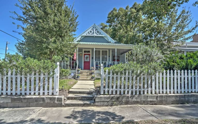 Classic 3BR Gulfport House w/Porch Swing! - Gulfport - House