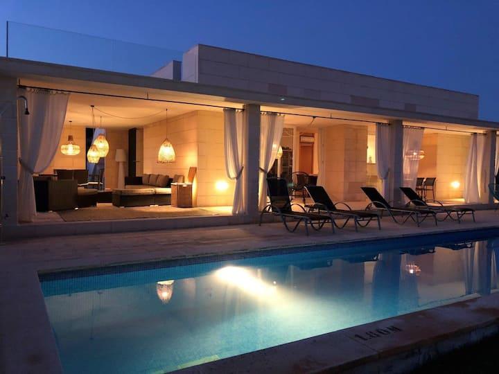 Modern Elegance near Coast - Villa Zapa