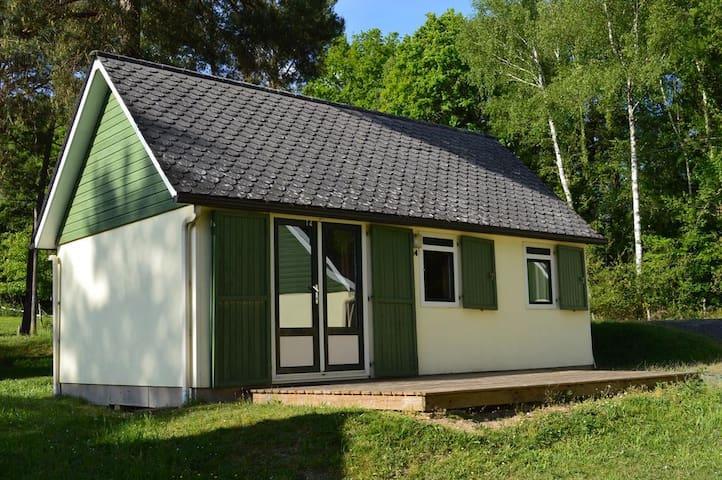 Cottage pour 6pers, au bord du Lac de Feyt