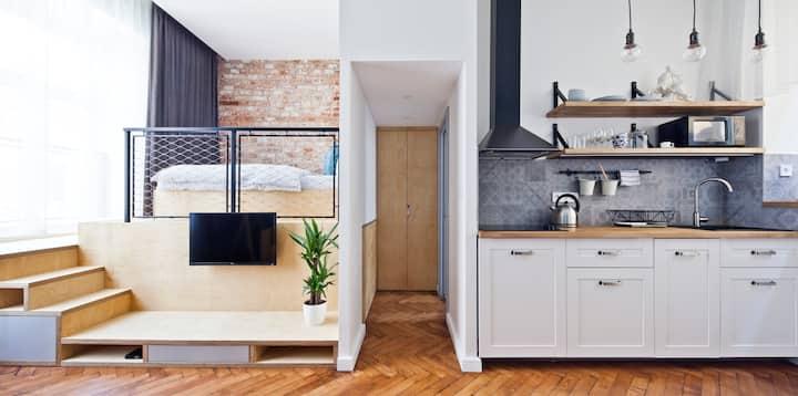 Top located design apartment II
