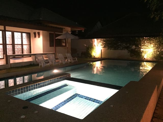 Private swimming pool house 120sqm - 華欣 - 獨棟