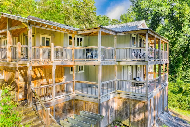 The Nest, Artistic, Secluded Feel, Decks Galore, Minutes From Downtown Chattanooga