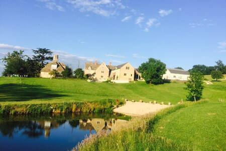 Elmbury- Beautiful cotswold stone barn conversion - Gloucestershire
