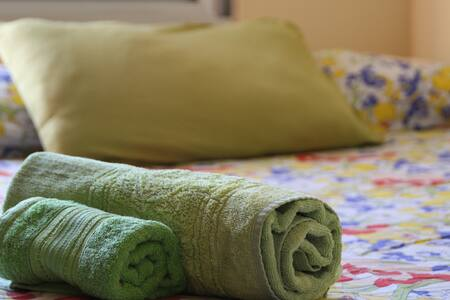 Quarto cama de casal simples e gostoso em Floripa - Florianópolis - Lakás