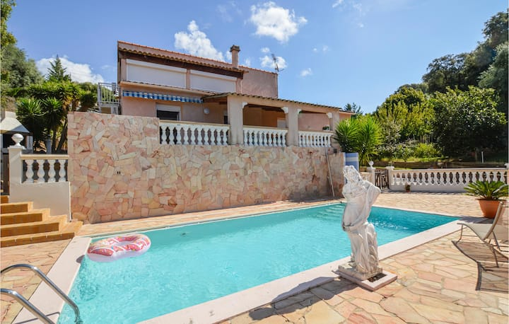 Stunning home in Bastelicaccia with WiFi and 2 Bedrooms