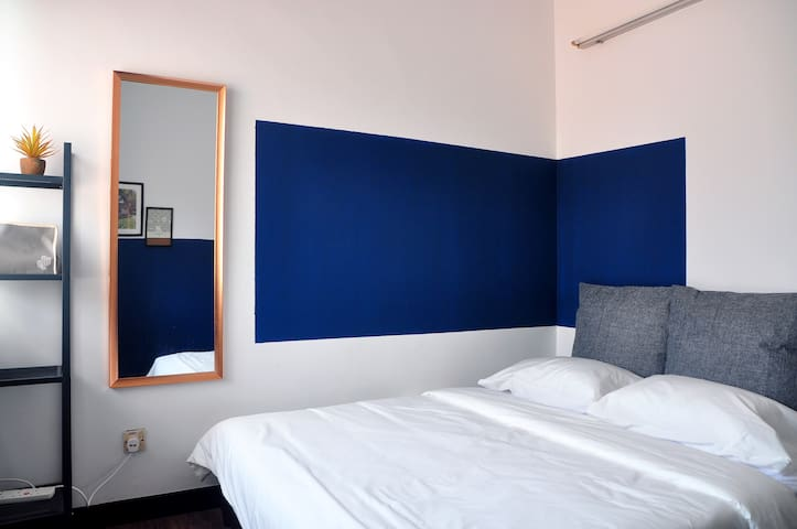 10mins walk | SUNWAY STAY 03.Queen Bed+Shared Bath