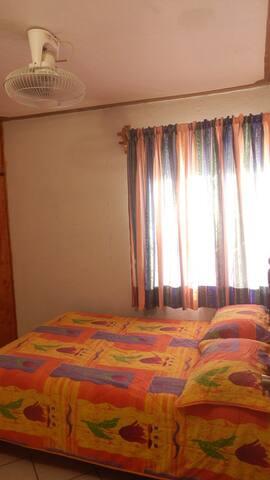 Habitación 1, con Aire Acondicionado.