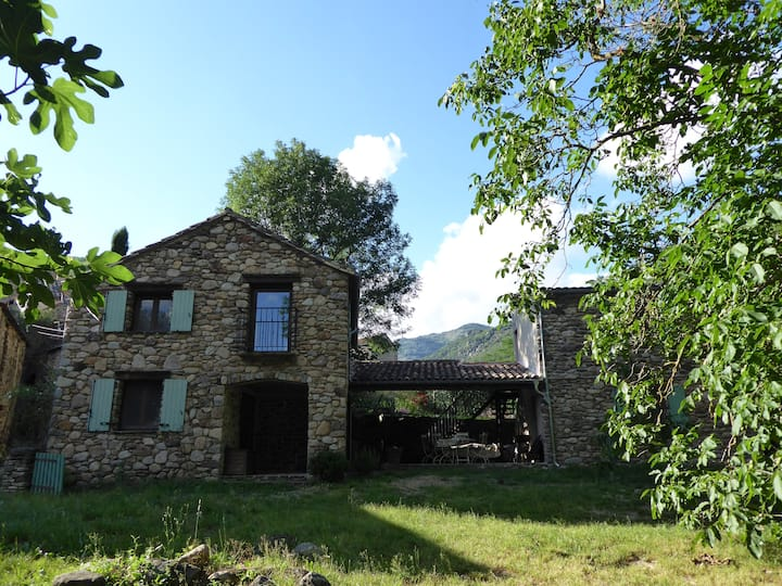 Le Petit Moulin, tranquil renovated watermill