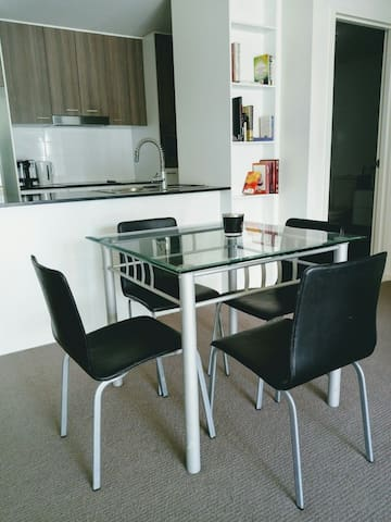 1 bedroom apartment, Braddon. with pool and gym