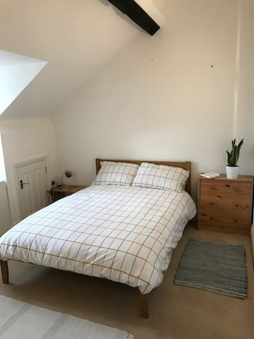 Relaxing Room in the Heart of Ipswich