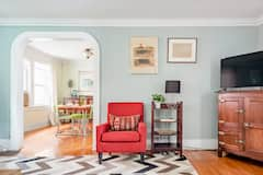 Cozy%2C+Eclectic+Entire+Home+in+Swillburg%2F+South+Wedge