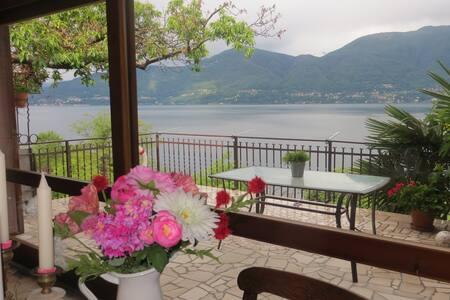 Seeblick Monte Sole, ein Traum für Zweisamkeit - Porto Valtravaglia