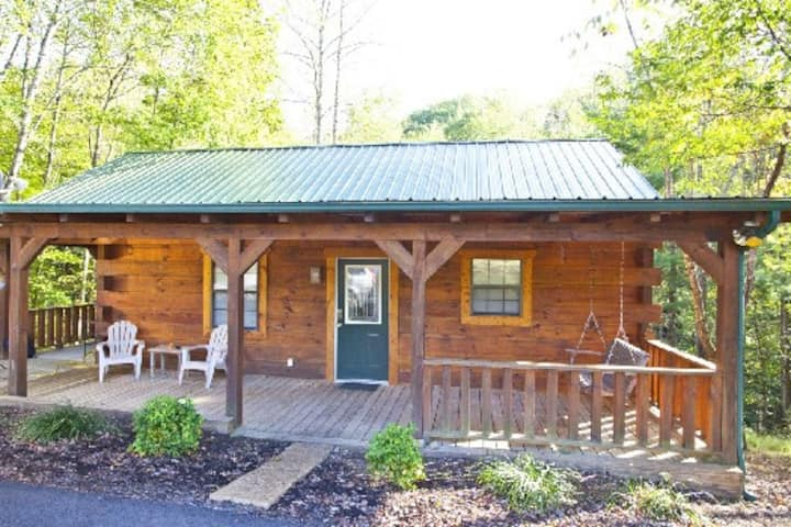 Tellico cabins, Deer Cabin With Hot Tub