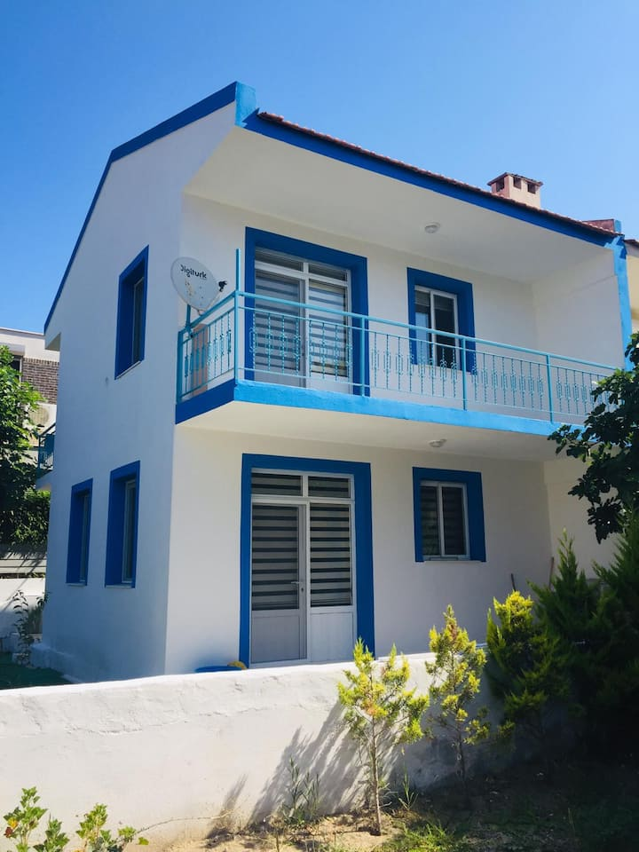 2 BR Refreshing House with Garden in the Heart of Alacati