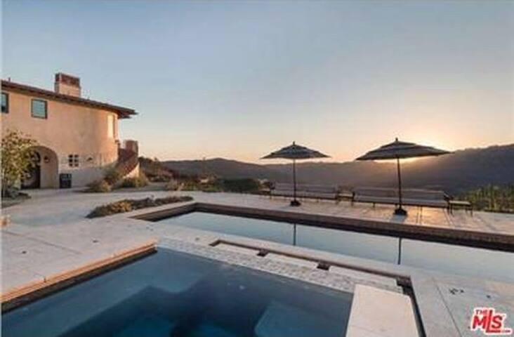 Malibu's Finest Private Upscale Vineyard Estate!