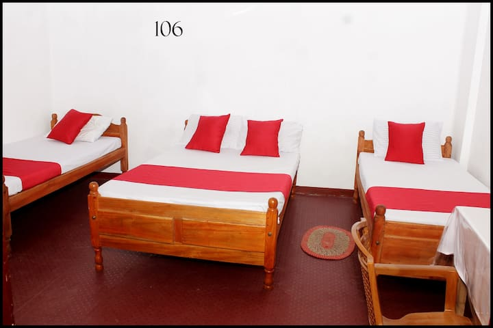 Luxury room in Jaffna for 6 pax