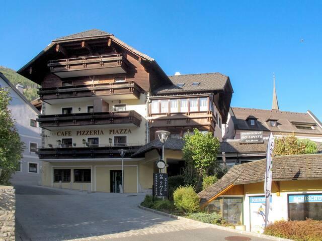 Kuenburg (SML120)